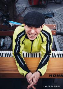 Gut gelaunter Spezialist für Schwertransporte mit dem Fahrrad: Peter-Alexander Pöltl